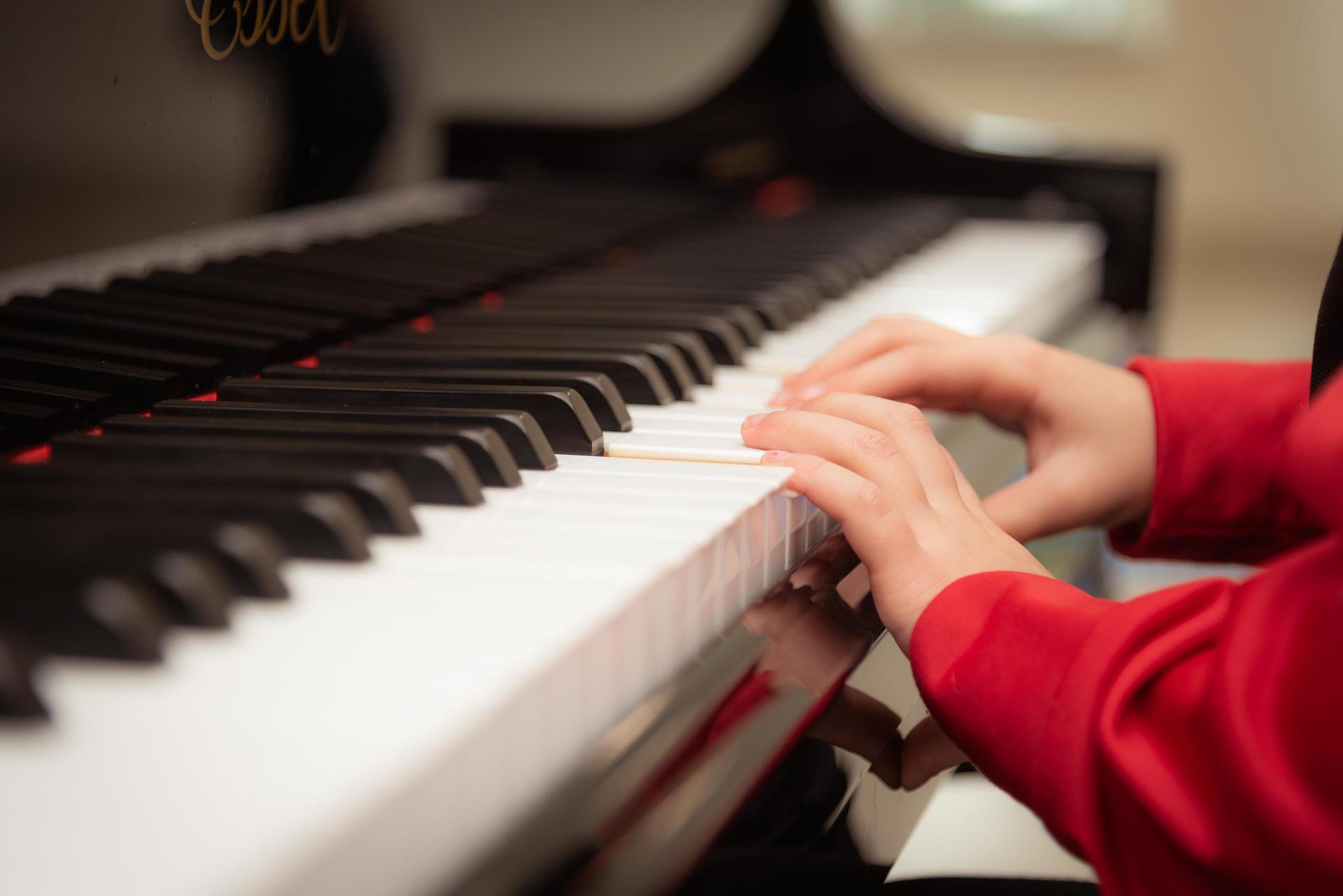 Sanitizing piano
